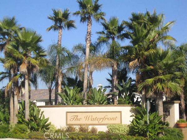 共管式独立产权公寓 为 销售 在 21375 Estepa Circle 杭廷顿海滩, 92648 美国