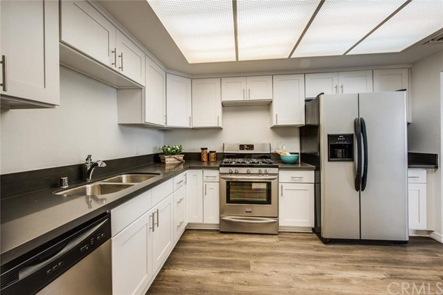 8162 Manitoba Street 216 Playa del Rey, CA 90293 is listed for sale as MLS Listing OC16118706