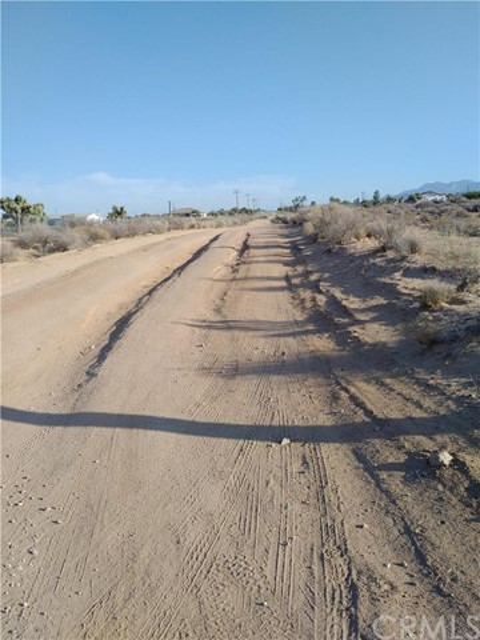 0 Nevada, Phelan CA: http://media.crmls.org/medias/76de2cb8-e524-427b-a2eb-b73708015761.jpg