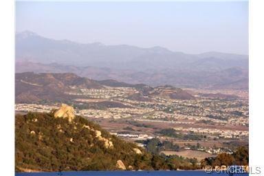 37685 El Tigre Drive, Murrieta CA: http://media.crmls.org/medias/76e1170a-9977-4c4d-8bec-f02d83f26667.jpg