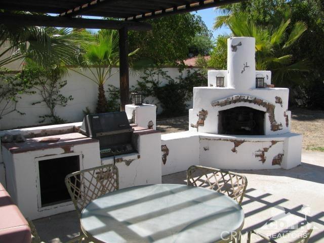 1420 Rosarito Way, Palm Springs CA: http://media.crmls.org/medias/76e804d6-576c-460d-bf18-85bbbda2cba8.jpg