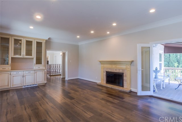 1824 Crestmont Court, Glendale, CA 91208