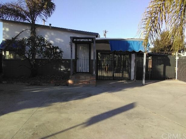 792 Center Street, Costa Mesa, CA, 92627