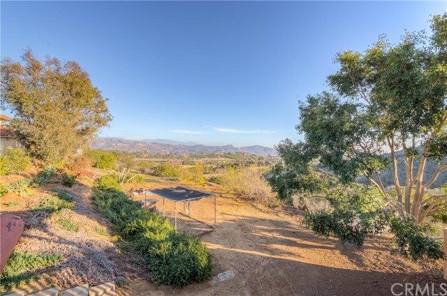 764 Rainbow Hills Road, Fallbrook CA: http://media.crmls.org/medias/7702c9f4-3423-4fec-b742-0d45653e8cf4.jpg