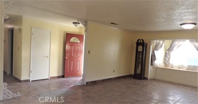 1230 Lewis Street, Delano CA: http://media.crmls.org/medias/7708dd14-6384-47e8-819d-1723eb585bec.jpg