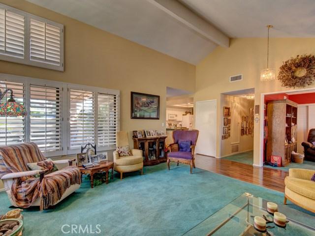 18355 Gum Tree Lane, Huntington Beach CA: http://media.crmls.org/medias/771783c5-d9ef-4a8a-afde-d6b7ce0346a9.jpg