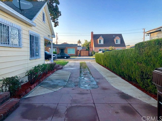 338 W School Street Compton, CA 90220 - MLS #: PW18199500