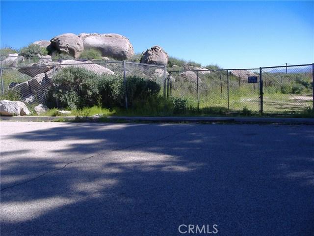 683 W Nuevo Road, Perris CA: http://media.crmls.org/medias/772d7320-704c-49e3-af59-b14d1a78b871.jpg
