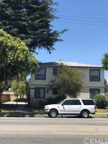 18127 Roscoe Boulevard, Northridge CA: http://media.crmls.org/medias/772e7175-2b5d-48bc-b8fc-dabeb5431791.jpg