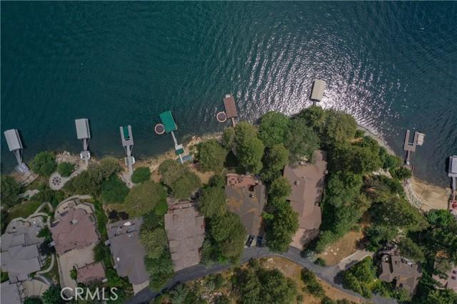 27433 N Bay Road, Lake Arrowhead CA: http://media.crmls.org/medias/773901d3-2b69-4ed4-8a6f-7950718148c4.jpg