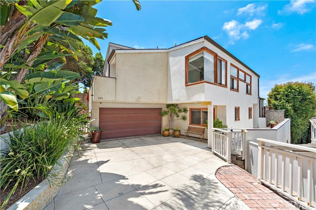 Detail Gallery Image 1 of 33 For 601 Glomstad Ln, Laguna Beach,  CA 92651 - 3 Beds | 3/1 Baths