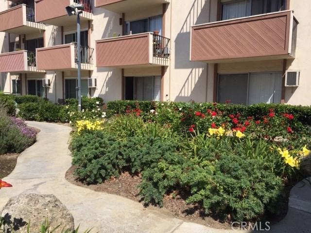 5585 Pacific Coast , Long Beach, CA 90804