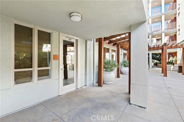 100 S Alameda Street, Los Angeles CA: http://media.crmls.org/medias/775de185-742a-45f6-ab30-81d9fe1275a9.jpg