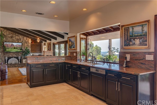 1440 Vista Del Valle Way, La Habra Heights CA: http://media.crmls.org/medias/7766511f-48a3-4691-98f8-f0e577dff213.jpg