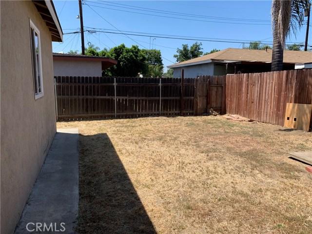 1035 Laurel Avenue, Pomona CA: http://media.crmls.org/medias/77687b3e-eeb7-4880-b693-f14312ef9222.jpg
