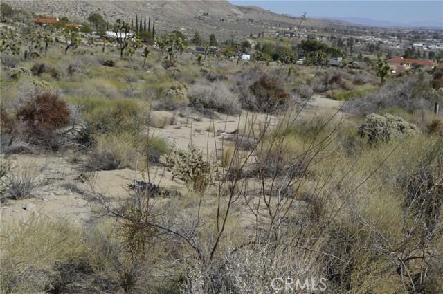 7400 Fairway Drive, Yucca Valley CA: http://media.crmls.org/medias/776ac1f2-d7ba-4c65-bae7-8cdbffbe6bcd.jpg