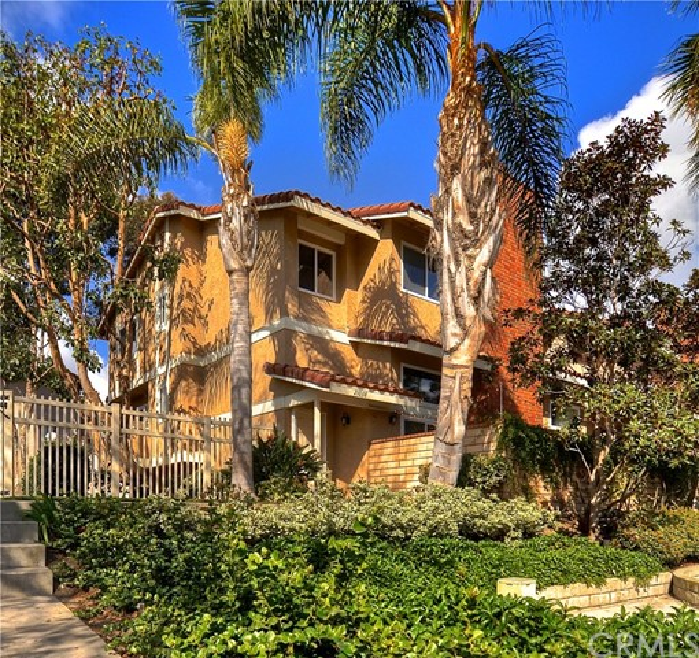 21038  Poolside Lane, Huntington Beach, California