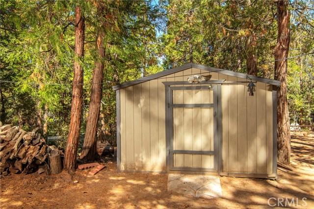 29036 Alder Terrace, Cedar Glen CA: http://media.crmls.org/medias/77880503-b137-4b43-bffd-edb9f3442942.jpg