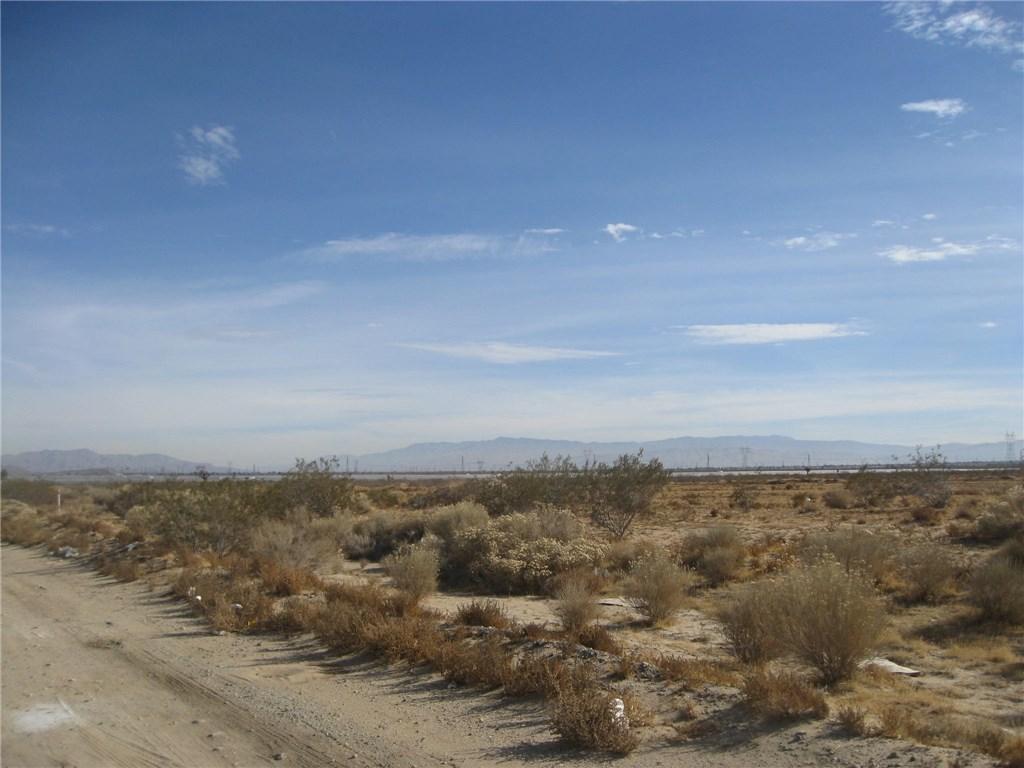 11111 Rancho, Adelanto CA: http://media.crmls.org/medias/7796133a-7896-4a34-8625-24c99b2ed1c9.jpg