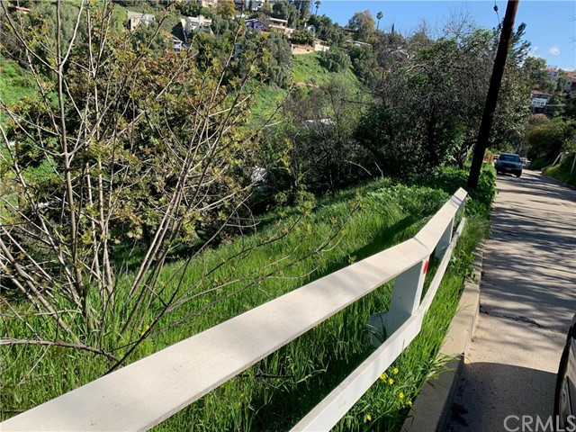 592 Quail Dr, Los Angeles, CA  Photo 3