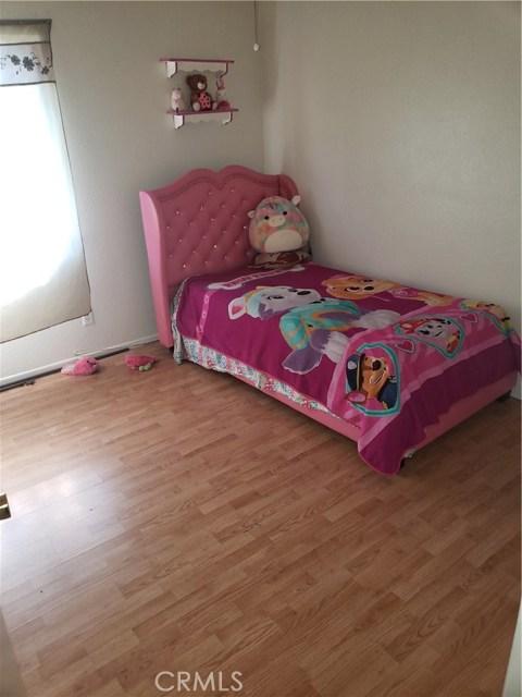 13815 Pheasant Knoll Lane, Moreno Valley CA: http://media.crmls.org/medias/77a430b4-29fe-4a46-8c9a-1d05ed6d1345.jpg
