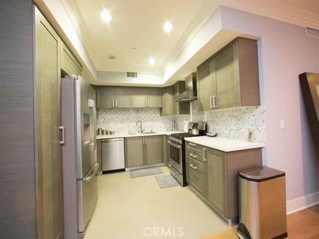 Rental Homes for Rent, ListingId:34524740, location: 7133 306 Hawthorn Avenue Hollywood 90027