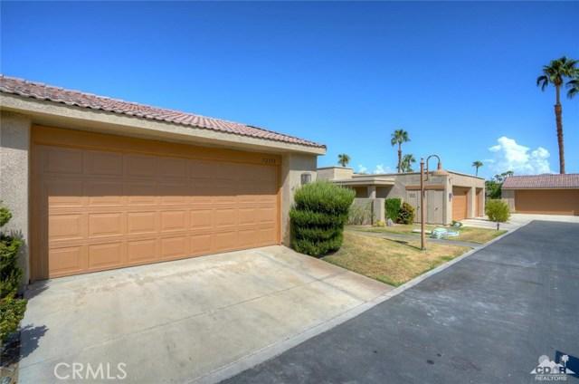 72308 BLUERIDGE Court, Palm Desert CA: http://media.crmls.org/medias/77bcd8ad-bb05-4286-a53f-db7c3ca53371.jpg