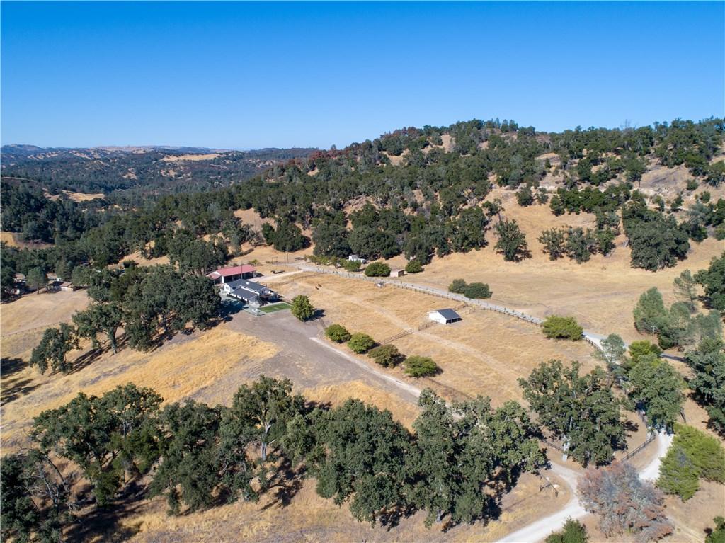 7885 Fawn Lane, Paso Robles CA: http://media.crmls.org/medias/77c5cb81-3f8e-4b39-a7fa-2a41f3d56ea7.jpg