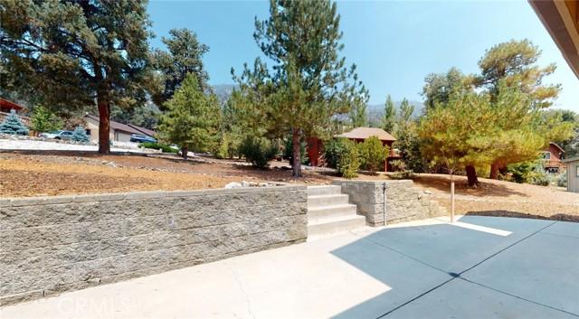 16425 Huron Drive, Pine Mountain Club CA: http://media.crmls.org/medias/77ced6bc-99b6-45b1-bcfa-6a3c7afc2b44.jpg