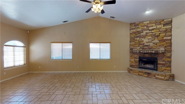 13445 Driftwood Drive,Victorville,CA 92395, USA