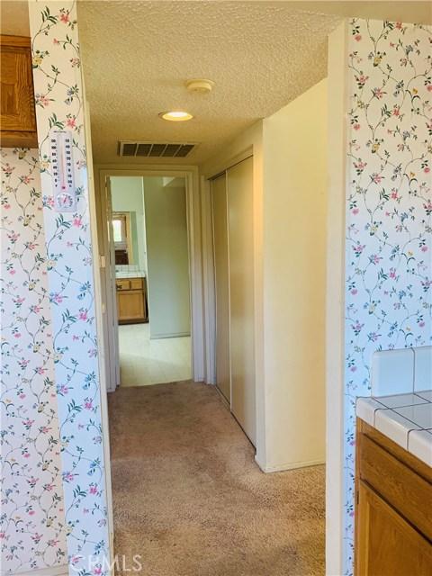 11591 Ash Street, Apple Valley CA: http://media.crmls.org/medias/77edb1d3-58e2-4e8d-b5c2-6534f691f493.jpg
