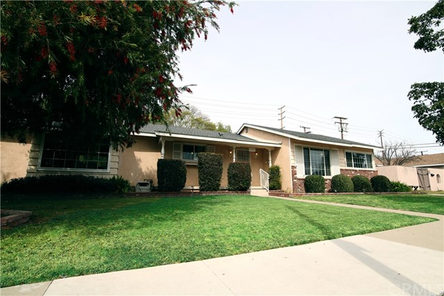 6927 E Stearns St, Long Beach, CA 90815 Photo 1