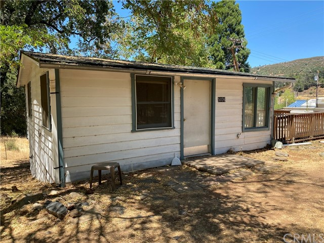 Detail Gallery Image 1 of 1 For 5076 Stroming Rd, Mariposa,  CA 95338 - 1 Beds   1 Baths