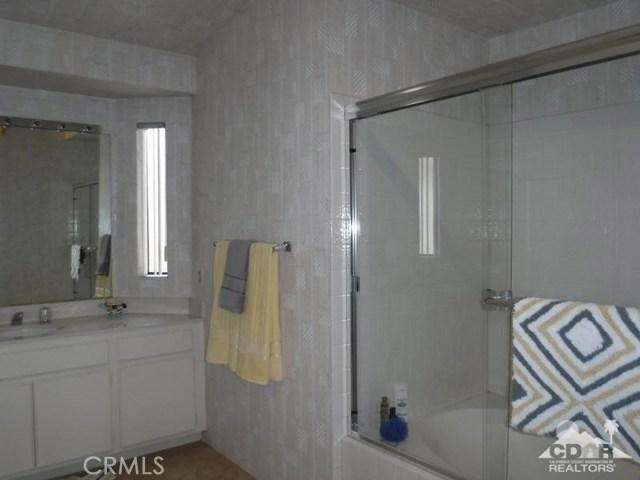 54493 Tanglewood, La Quinta CA: http://media.crmls.org/medias/77f814a5-0918-48d6-a4b8-994ed1ad9f70.jpg