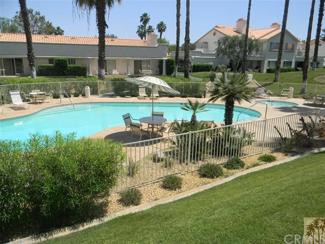 Photo of home for sale at 160 Desert Falls Circle, Palm Desert CA