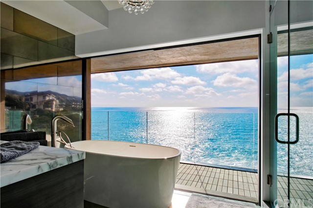 Single Family Home for Sale at 32 La Senda Drive N Laguna Beach, California 92651 United States