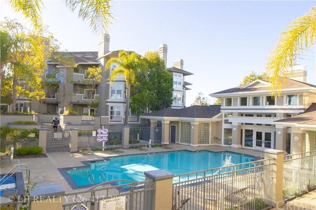 Detail Gallery Image 1 of 33 For 880 Meridian Bay Ln #207,  Foster City,  CA 94404 - 2 Beds | 2 Baths