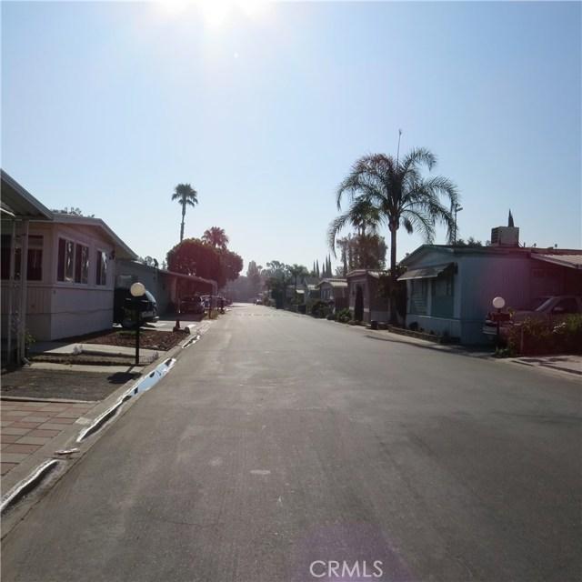 1155 S Riverside Avenue, Rialto CA: http://media.crmls.org/medias/781e7995-6183-4e19-82e1-fd147af89302.jpg