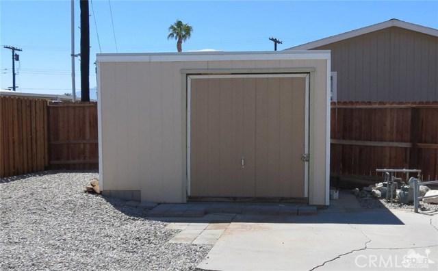 73326 Broadmoor Drive, Thousand Palms CA: http://media.crmls.org/medias/78333e20-fd2b-4804-b6b7-8c37a46771aa.jpg