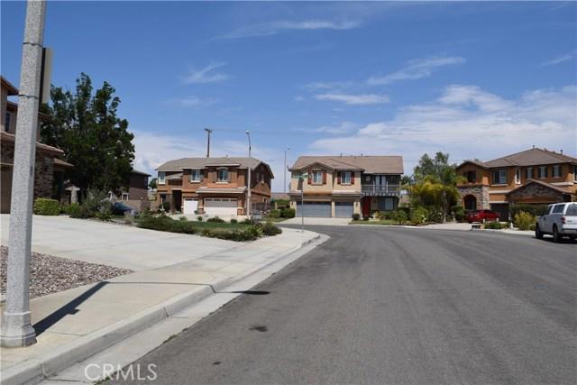 19941 Paso Robles Drive, Riverside CA: http://media.crmls.org/medias/783adb9f-faf2-4e4d-93ea-06e1f13eba47.jpg
