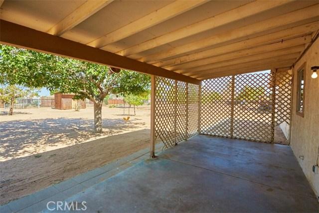 11790 Pasco Road, Apple Valley CA: http://media.crmls.org/medias/78533170-24e4-439f-bda8-9958c8ab7a07.jpg