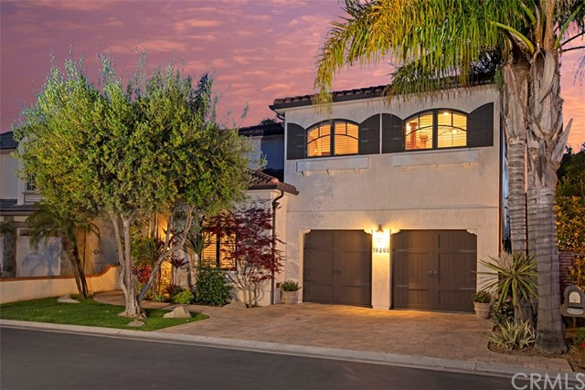 19265  Woodlands Drive, Huntington Beach, California