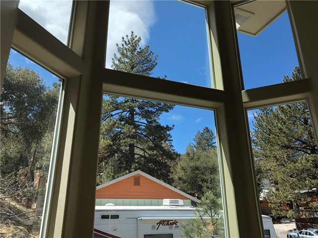 5269 Canyon Drive Wrightwood, CA 92397 - MLS #: CV18074397
