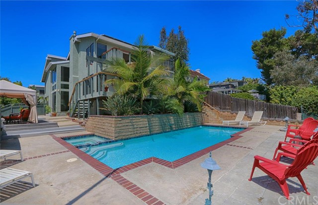 Single Family Home for Sale at 401 West Avenida De Los Lobos Marinos St 401 Avenida De Los Lobos Marinos San Clemente, California 92672 United States