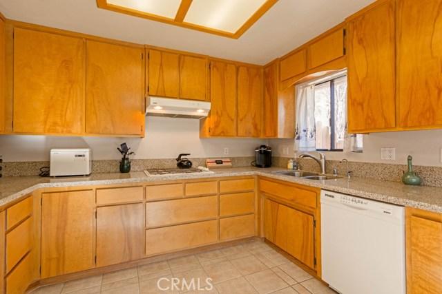 662 Arbula Drive Crestline, CA 92325 - MLS #: LG17279416