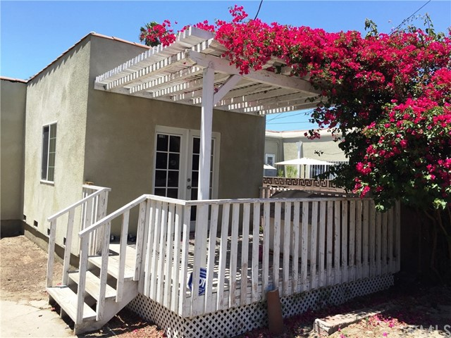 3010 BRONSON AVE S Avenue, Los Angeles CA: http://media.crmls.org/medias/78b213f8-3c14-4049-a4c3-031bbb30d226.jpg