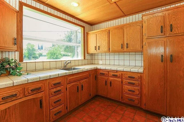 9450 Vanalden Avenue Northridge, CA 91324 is listed for sale as MLS Listing 318001834