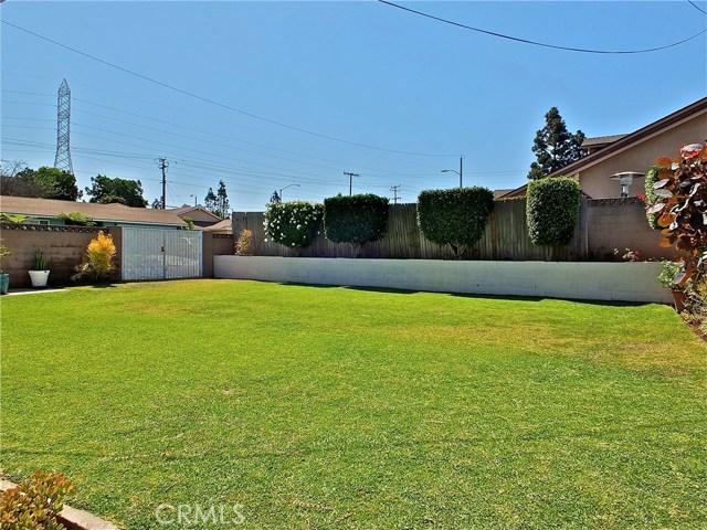 562 E Kenbridge Drive, Carson CA: http://media.crmls.org/medias/78d1bd21-0f54-4b9f-8e4b-f2301ca53052.jpg