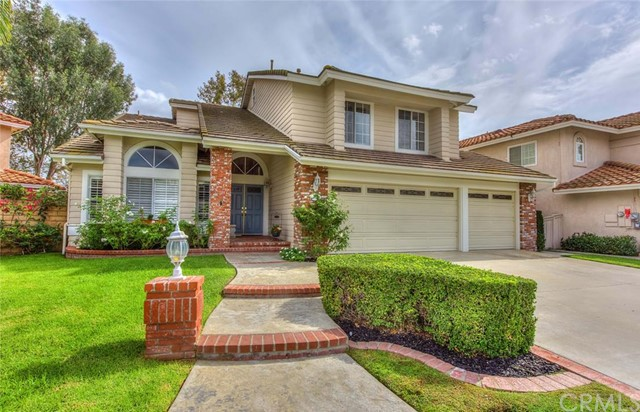 Single Family Home for Sale at 21036 Kensington St Lake Forest, California 92630 United States
