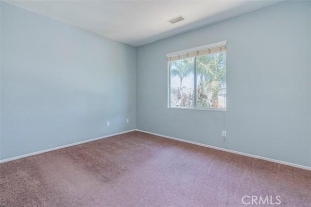 11496 Springwood Court, Riverside CA: http://media.crmls.org/medias/78ee4bb2-e78e-4c08-8b26-6977b2f6d024.jpg